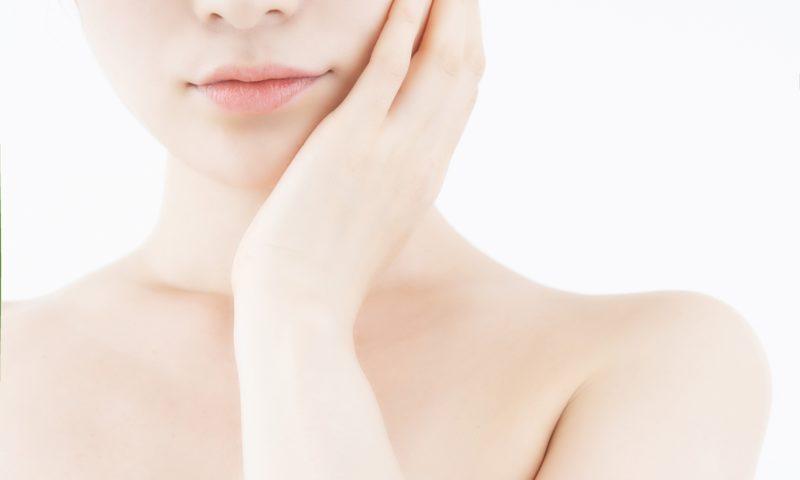 肌のテカリは脂性肌の可能性大!日常生活に潜む6つの原因とは?│Kohana オールインワンジェルクリーム│スキンケア化粧品