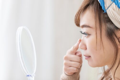 鼻がいちごに?厄介ないちご鼻の原因と簡単にできる対処法を解説│Kohana オールインワンジェルクリーム│スキンケア化粧品