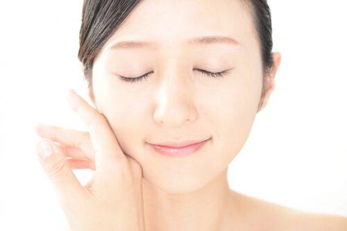 透明感のある肌とは?美しい肌をキープする6つのテクニック!│Kohana オールインワンジェルクリーム│スキンケア化粧品