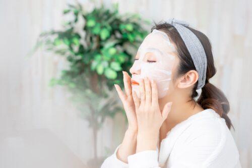 シートマスクとは?その役割から効果、使用時の注意点まで解説│Kohana オールインワンジェルクリーム│スキンケア化粧品