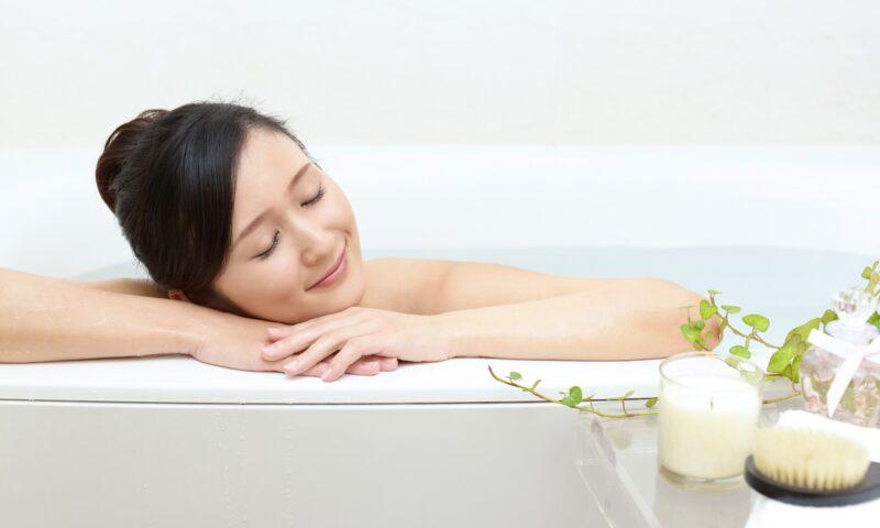 入浴で美肌効果あり?3つのメリットと効果的な入浴法5選を紹介!│Kohana オールインワンジェルクリーム│スキンケア化粧品