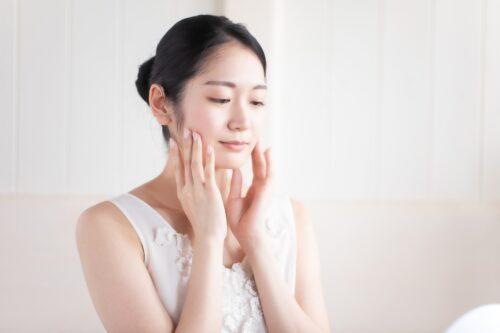 顔の湿疹はなぜ起こる?原因から予防・対処法まで解説します│Kohana オールインワンジェルクリーム│スキンケア化粧品