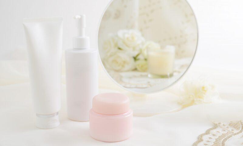 基礎化粧品とは?6つの種類と使うときの注意点を教えます!│Kohana オールインワンジェルクリーム│スキンケア化粧品